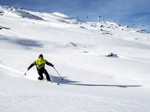 off-piste telemarking in megeve with a ski guide